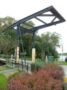 <p>De kleine brug ...</p>